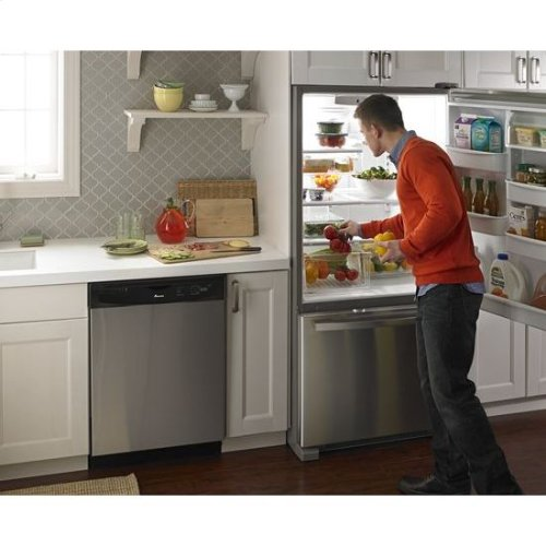 "33-inch Wide Bottom-Freezer Refrigerator with EasyFreezer™ Pull-Out Drawer "" 22 cu. ft. Capacity - stainless steel"