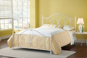 Ruby Queen Bed Set