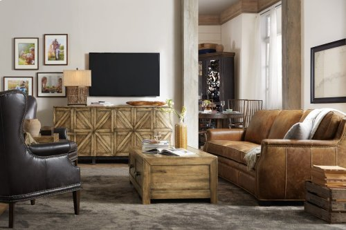 Roslyn County Entertainment Console