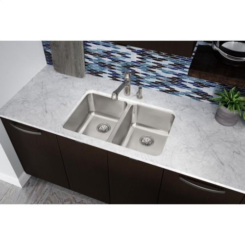 "Elkay Lustertone Classic Stainless Steel 31-1/4"" x 20"" x 9-7/8"", Equal Double Bowl Undermount Sink"