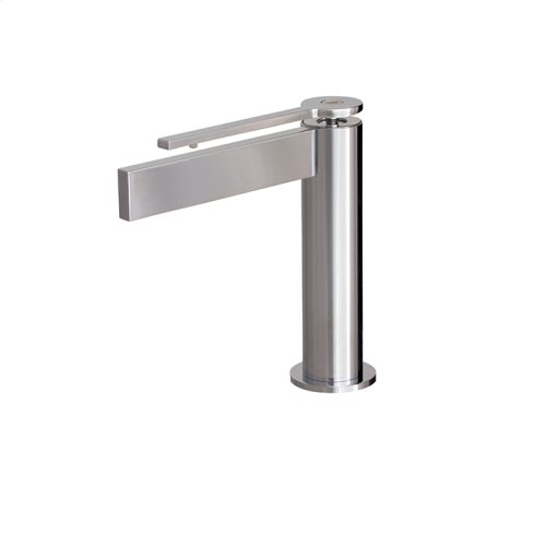 Single-hole lavatory faucet with short lever