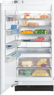F 1913 Vi MasterCool freezer More space and maximum convenience with IceMaker and telescopic drawers