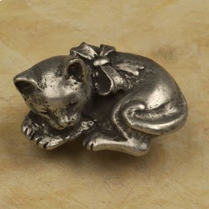 Sleeping Cat Knob Product Image