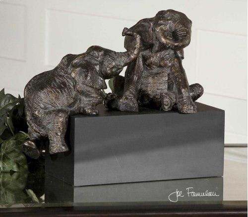 Playful Pachyderms, Figurine