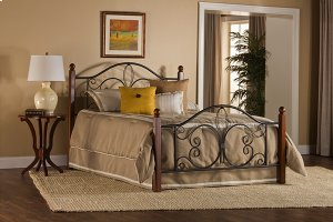 Milwaukee Wood Post Queen Bed