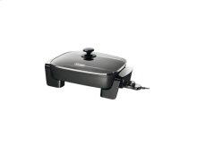 Electric Skillet with Tempered Glass Lid BG45  De'Longhi US