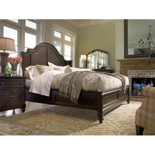 Steel Magnolia Queen Bed - Tobacco