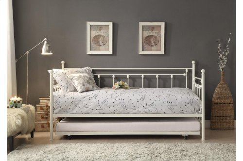 Metal Daybed with Trundle
