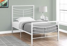 BED - TWIN SIZE / WHITE METAL FRAME ONLY