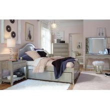 Glitz & Glam Panel Bed, Full 4/6