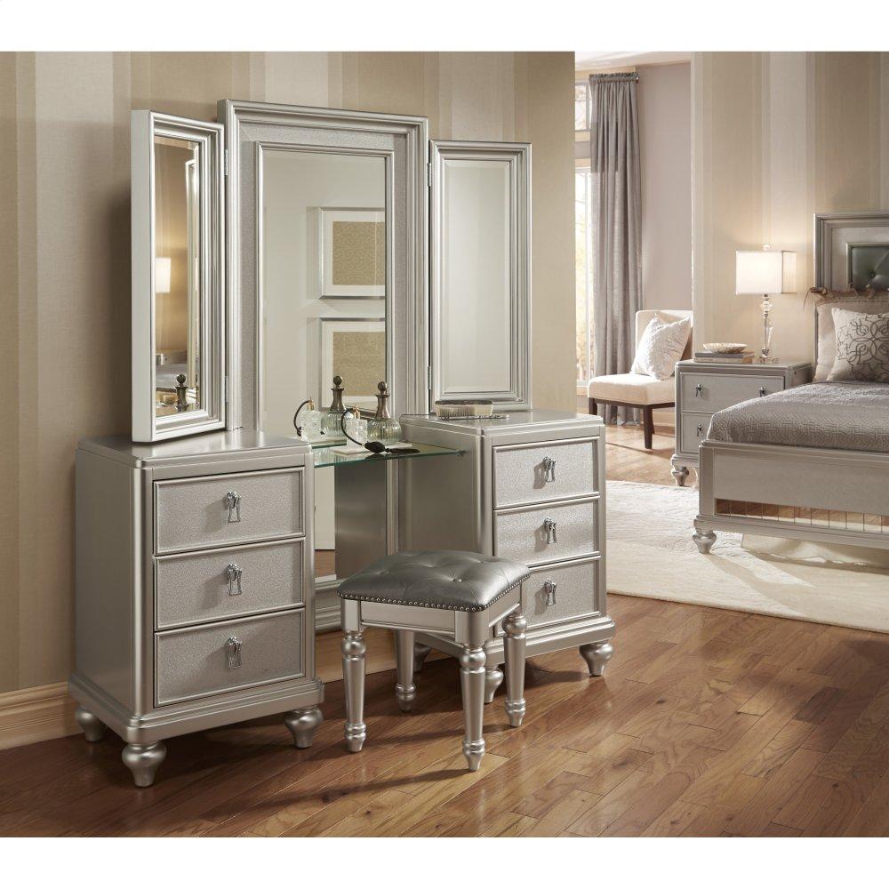 Genial Diva Vanity Dresser Withstool
