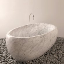 One of A Kind Bathtubs Egg / Carrara Marble