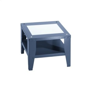 Open plinth For ergonomic loading and unloading of the washing machine and dryer. -
