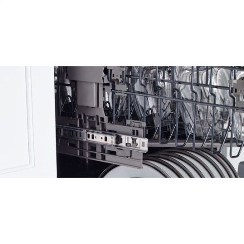 TriFecta™ Dishwasher with 42 dBA