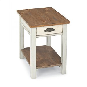 FlexsteelHOMEChateau Chairside Table