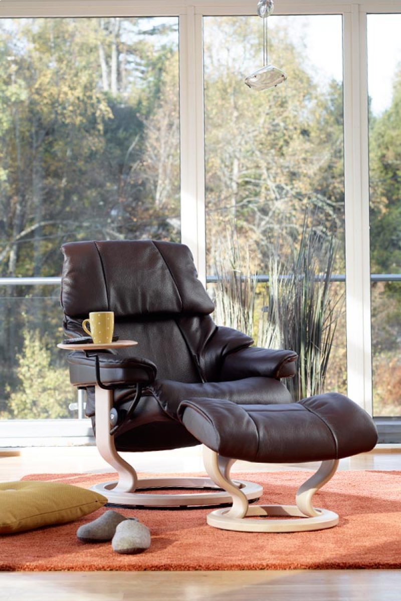 Stressless Reno S Signature Chair In By Stressless By Ekornes In