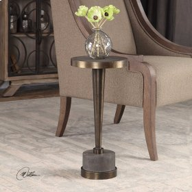 Masika, Accent Table