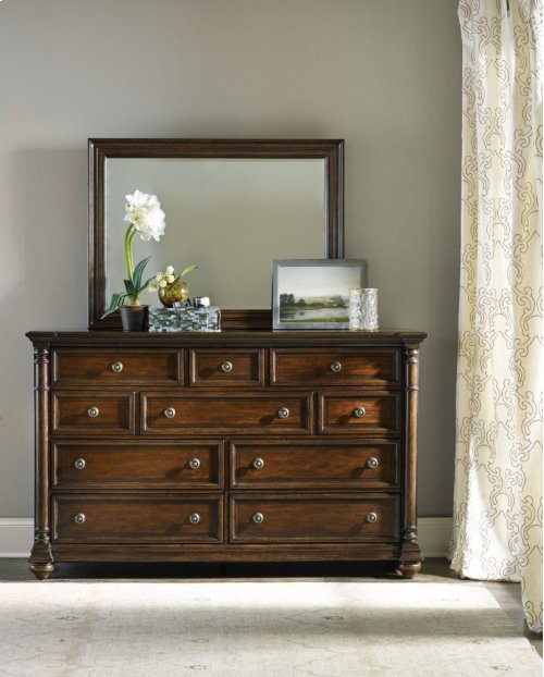 Leesburg Dresser
