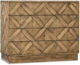 Roslyn County Four-Drawer Bachelors Chest