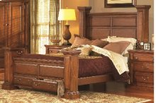 5/0 Queen Panel Bed - Antique Pine Finish