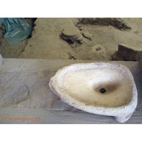 Akrotiri Vessel Sink