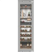 KWT 6722 iS - Built-in wine storage unit with FlexiFrame and SommelierSet for wine connoisseurs.