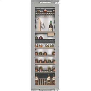 MieleBuilt-in wine storage unit with FlexiFrame and SommelierSet for wine connoisseurs.