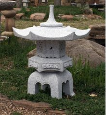 Japanese Lantern: Hexagonal Yukimi Lantern 24 Inch Roof / Black and White Granite