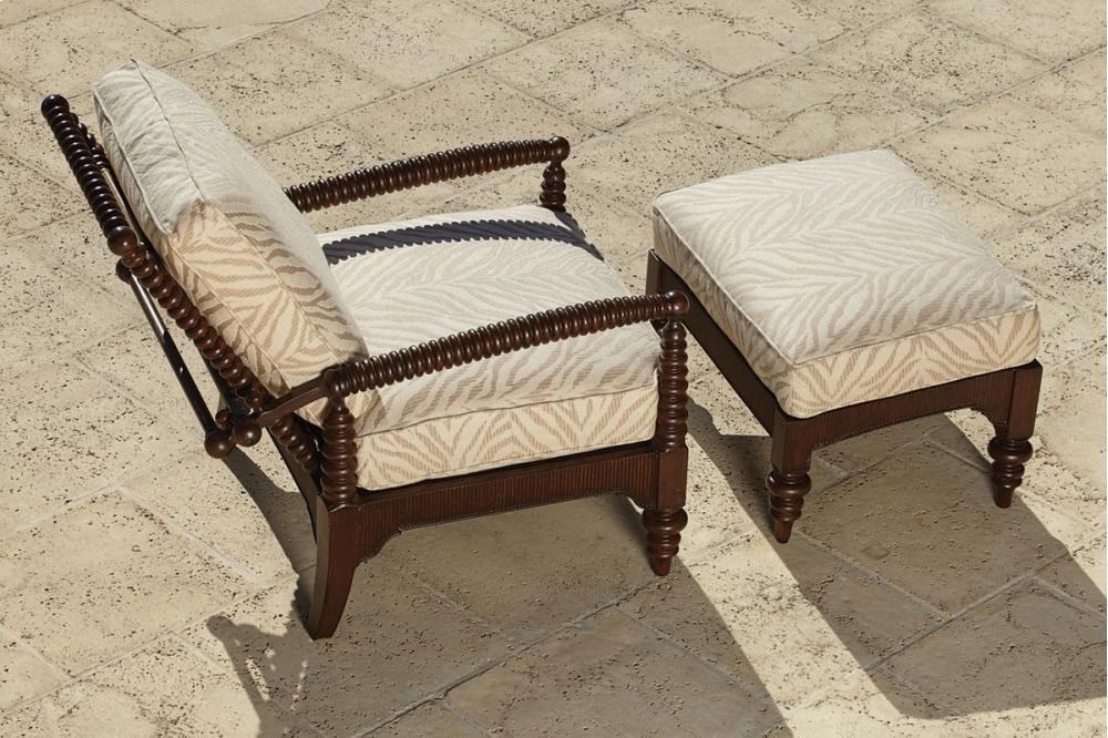 Gentil Hidden · Additional Ernest Hemingway Outdoor Morris Chair