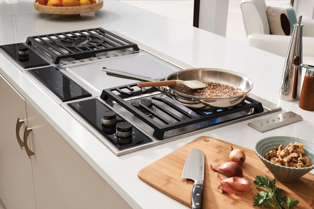Wolf 15 Transitional Gas Cooktop