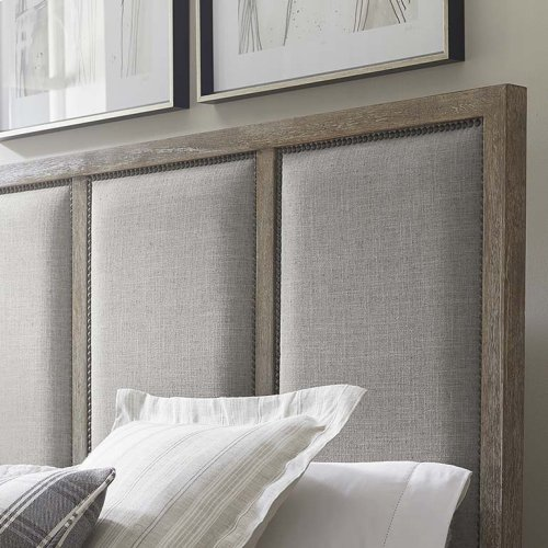 Queen/Compass Northern Grey Compass II Upholstered Bed
