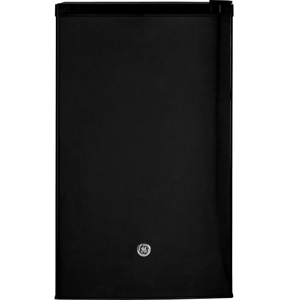 GE(R) Compact Refrigerator  BLACK
