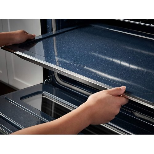 5.8 cu. ft. Slide-In Electric Flex Duo Range with Dual Door