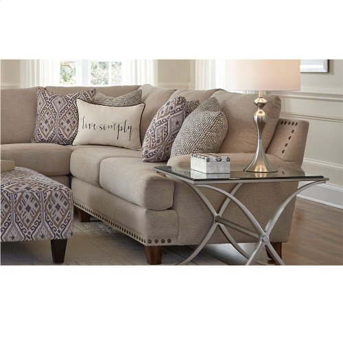 Right Arm Facing Loveseat w/nails