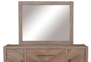 Auburn Mirror