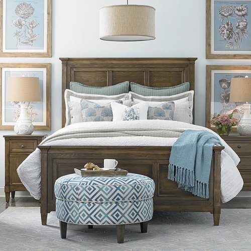 Queen/Tobacco Commonwealth Panel Bed