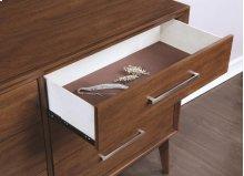 Dresser