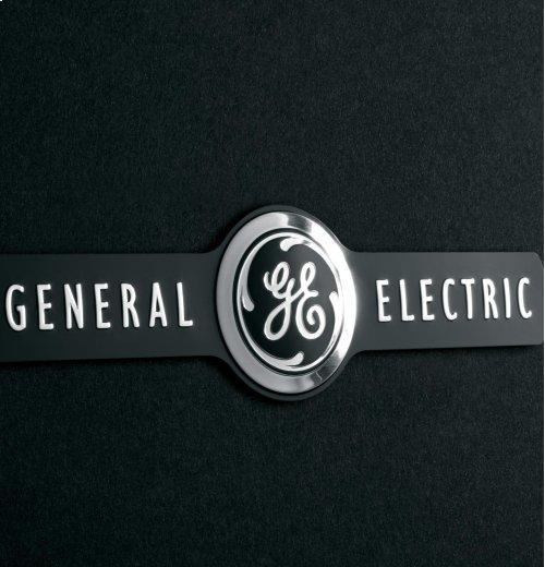 """GE Artistry Series 30"""" Free-Standing Electric Range"""