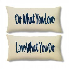 Quo Pillow (2/box)