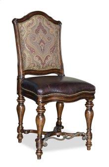 Valencia Gathering Chair
