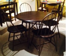 Heather 5 Pc Round Dinette with Bowback Chairs
