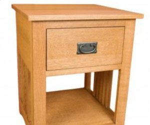 Gallatin Classic One Drawer Spindle Nightstand