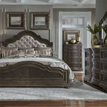 Opt Queen Uph Bed, Dresser & Mirror