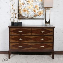 Helorus, Accent Chest