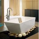 Cosmos Bathtub Freestanding 5.5' Product Image