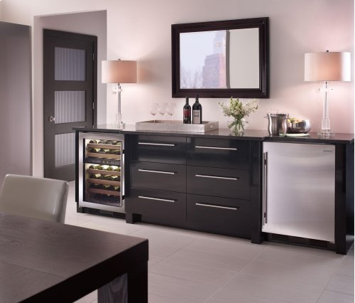 "( FLOOR MODEL) 24"" Undercounter Wine Storage"