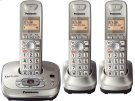 Expandable Digital Cordless Phone with Answering System with 3 handsets Product Image