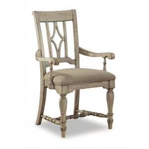 FLEXSTEELPlymouth Upholstered Arm Dining Chair