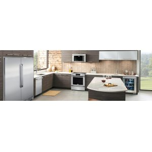 30'' Electric Front Control Freestanding ***FLOOR MODEL CLOSEOUT PRICING***