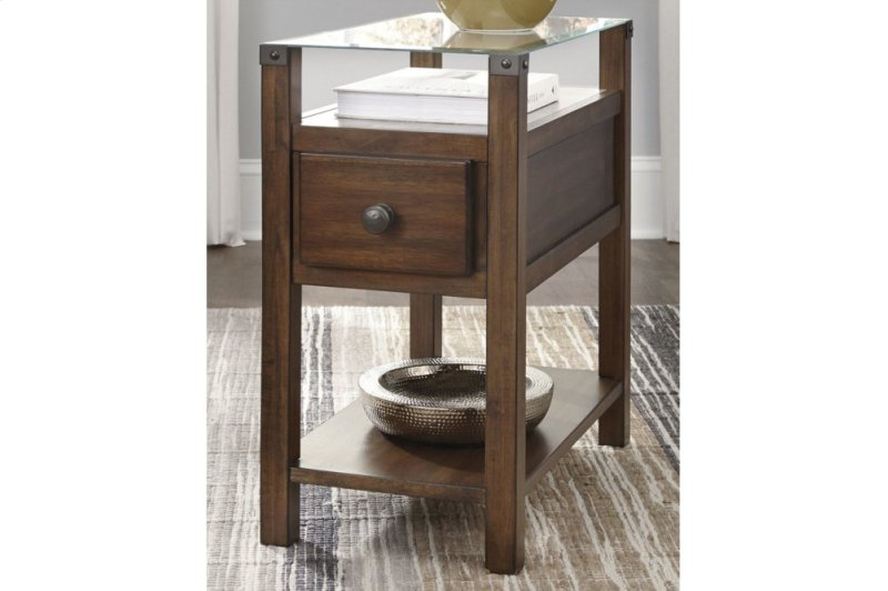 f1362d0d7b7b35 T217533 in by Ashley Furniture in Manhattan, KS - Chair Side End Table